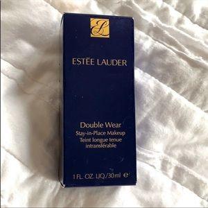 Estée Lauder Double Wear Stay-in Place Foundation